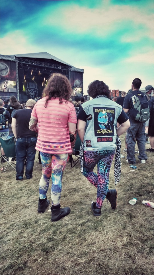 dressed up fans sonisphere